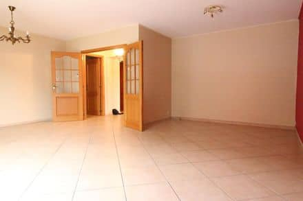 Apartment<span>100</span>m² for rent Jambes