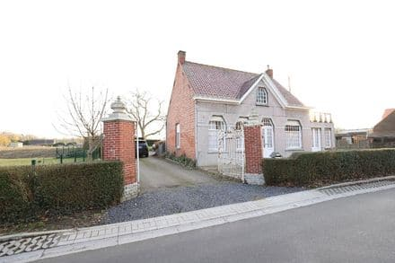 House<span>150</span>m² for rent Vinderhoute