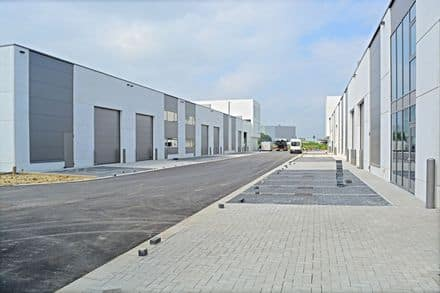 Business<span>567</span>m² for rent