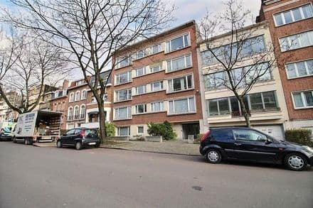 Apartment<span>90</span>m² for rent Ukkel