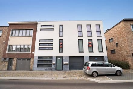 Triplex<span>375</span>m² for rent