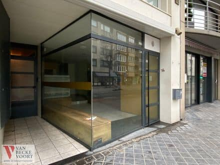 Business<span>50</span>m² for rent