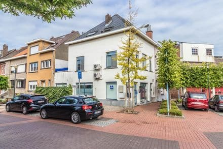 Office or business<span>85</span>m² for rent Diegem