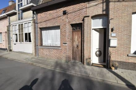 House<span>376</span>m² for rent