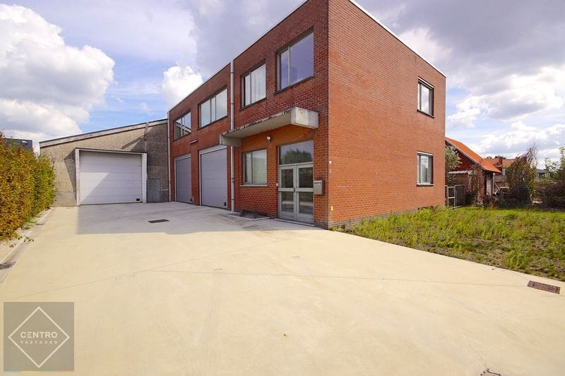 Industrial building for rent in Brugge