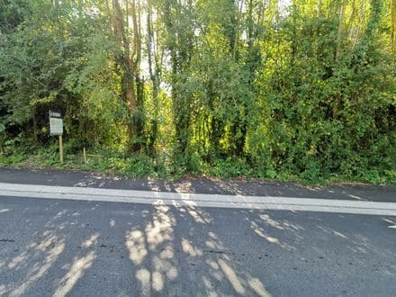Land<span>1053</span>m² for rent Olne