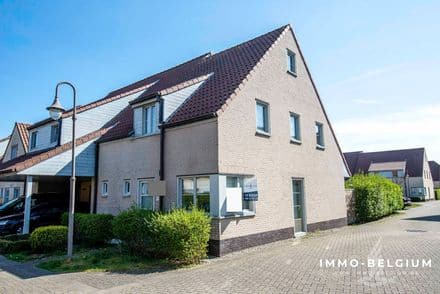 House<span>111</span>m² for rent De Haan