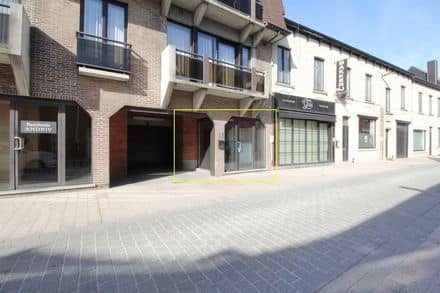Shop<span>32</span>m² for rent