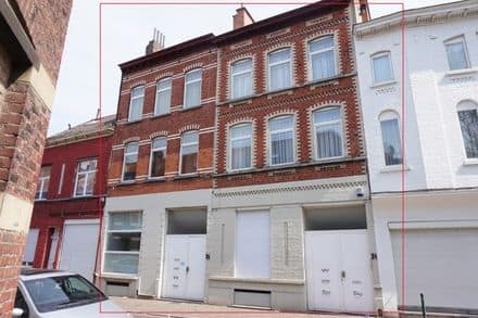 Special property<span>810</span>m² for rent
