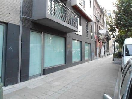 Business<span>196</span>m² for rent