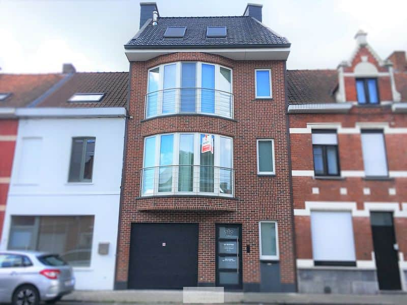 Piano nobile for rent in Roeselare