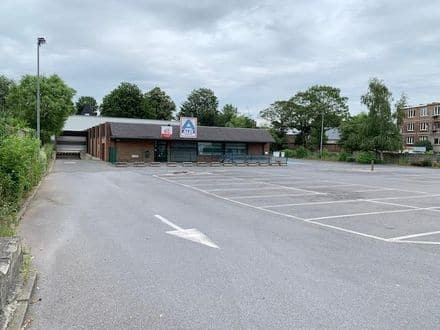 Business<span>1050</span>m² for rent