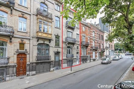 House<span>371</span>m² for rent