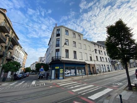 Mixed-use building<span>365</span>m² for rent