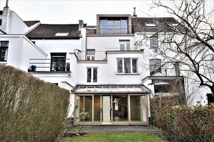 House<span>236</span>m² for rent