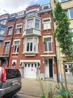 House<span>335</span>m² for rent