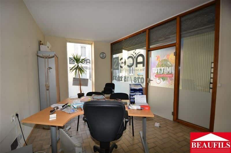 Office or business for rent in Genappe