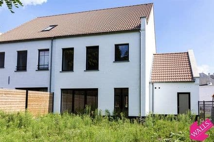 House<span>150</span>m² for rent