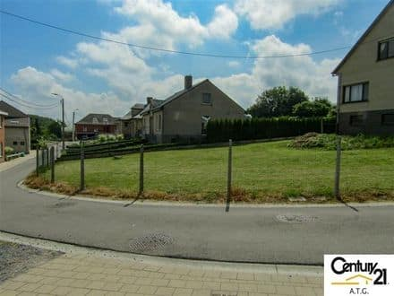 Land<span>425</span>m² for rent