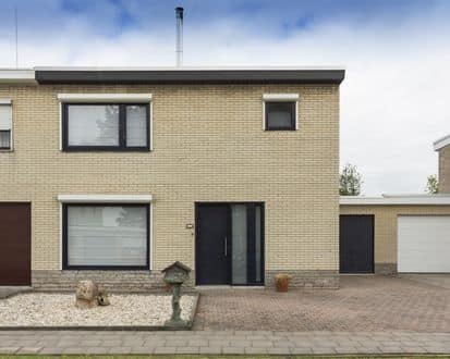 House<span>142</span>m² for rent