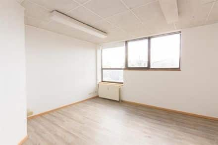 Office<span>14</span>m² for rent