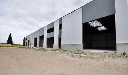 Business<span>546</span>m² for rent