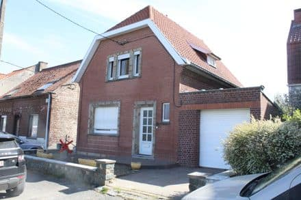 House<span>159</span>m² for rent Mourcourt