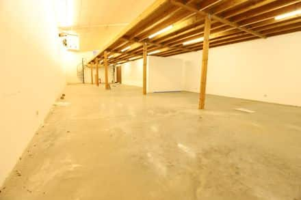 Business<span>232</span>m² for rent