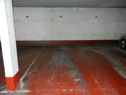 Parking space or garage<span>13</span>m² for rent Brussels