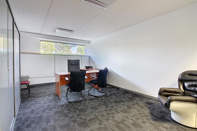 Office or business for rent in Kain