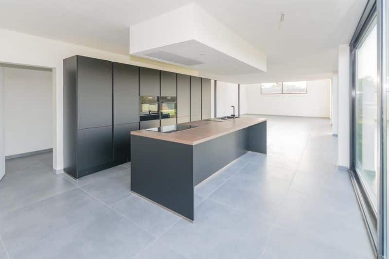 Office or business for rent in Aiseau Presles