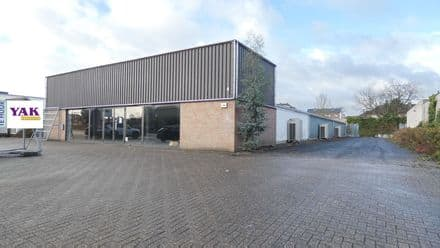 Business<span>750</span>m² for rent