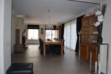 Villa<span>400</span>m² for rent