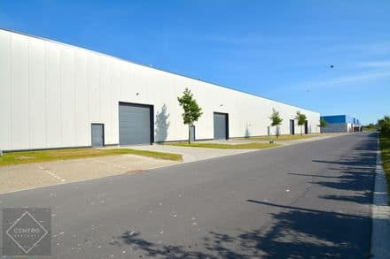 Industrial building<span>1410</span>m² for rent