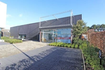 Warehouse<span>1000</span>m² for rent