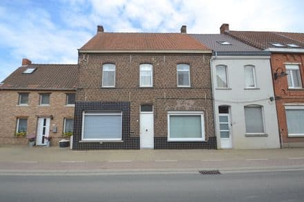 House<span>212</span>m² for rent