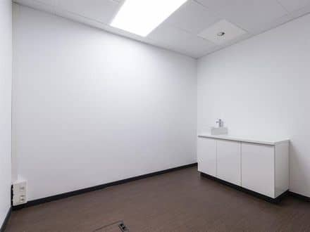 Office<span>8</span>m² for rent