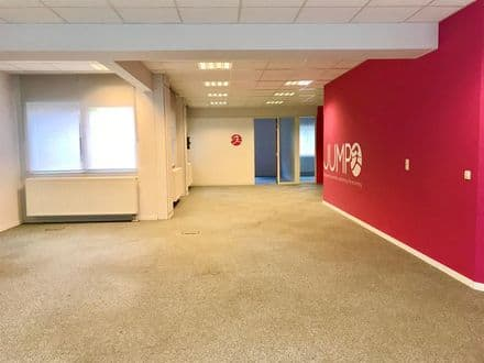 Office or business<span>182</span>m² for rent