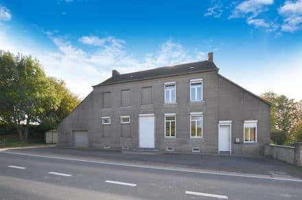 House<span>208</span>m² for rent Lobbes