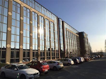 Office<span>144</span>m² for rent
