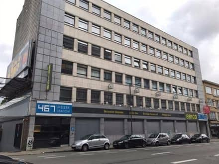 Office<span>2400</span>m² for rent