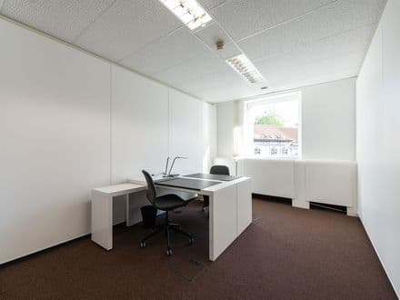 Office or business<span>512</span>m² for rent