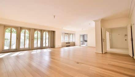 Apartment<span>240</span>m² for rent Brussels