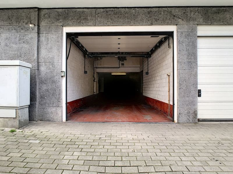 Parking space or garage for rent in Etterbeek
