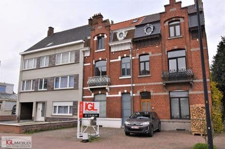House<span>206</span>m² for rent