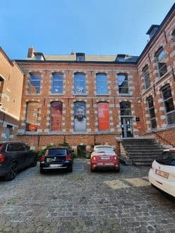 Investment property<span>700</span>m² for rent Mons