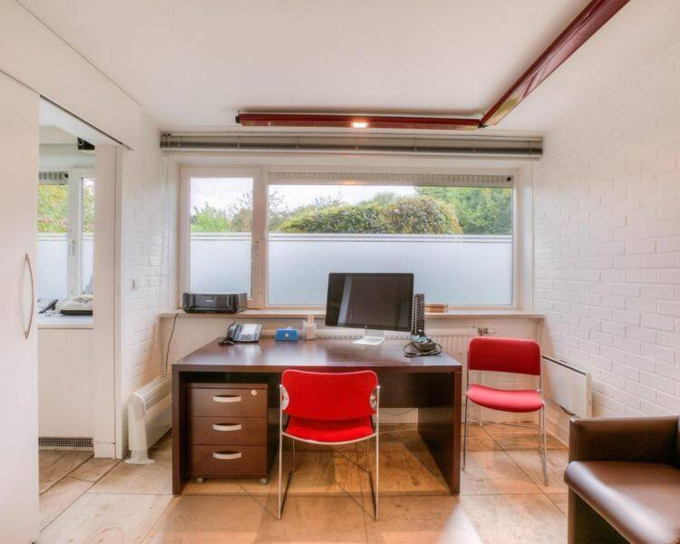 Office for rent in Waasmunster