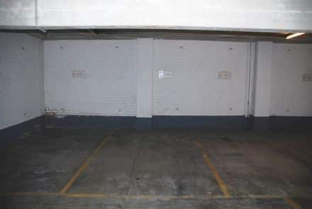 Parking space or garage for rent Brussels
