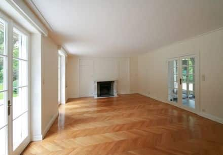 House<span>320</span>m² for rent