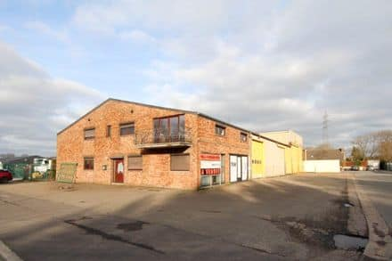 Industrial building<span>1160</span>m² for rent